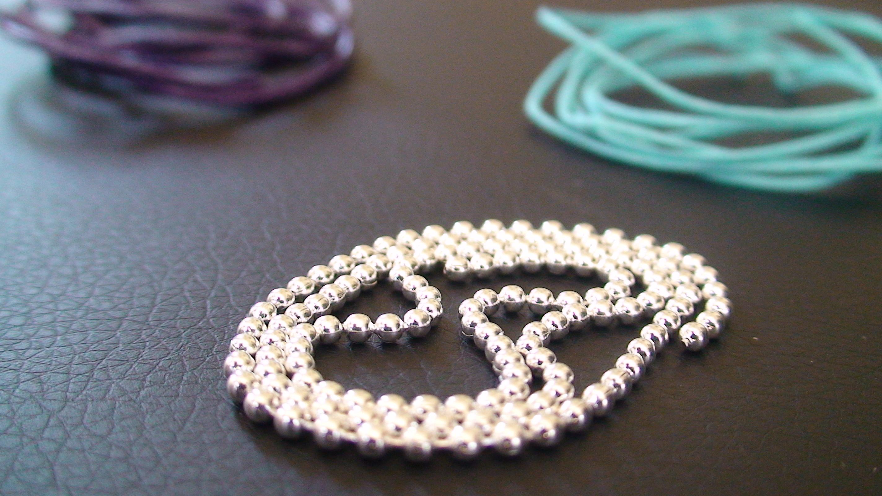 tuto bracelet cuir free tuto bracelet cuir with tuto bracelet cuir kit tuto bracelet cuir. Black Bedroom Furniture Sets. Home Design Ideas